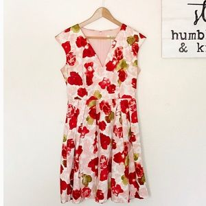 🌹GORGEOUS BB DAKOTA FLORAL DRESS🌹